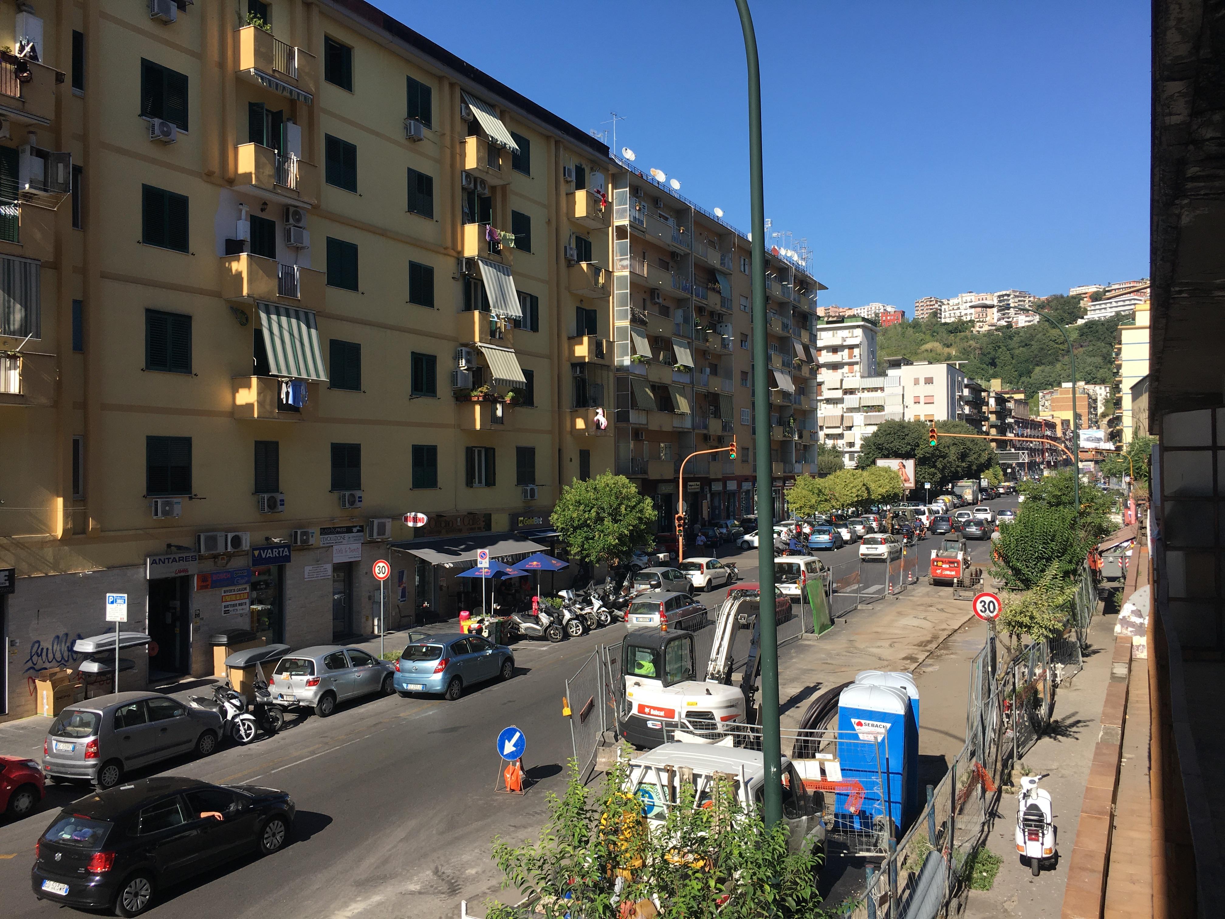 Fuorigrotta – Via Giulio Cesare